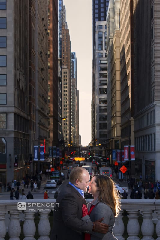 engagement picture in downtown chicago