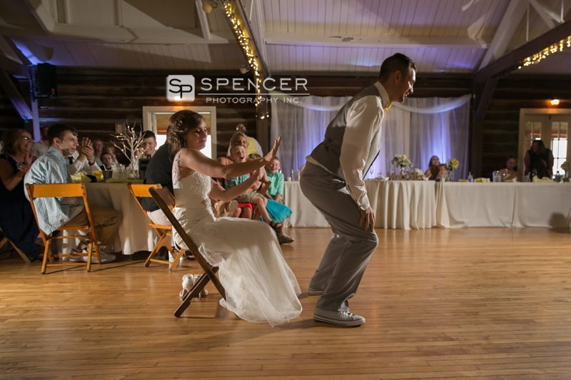 wedding reception at vermilion on the lake clubhouse