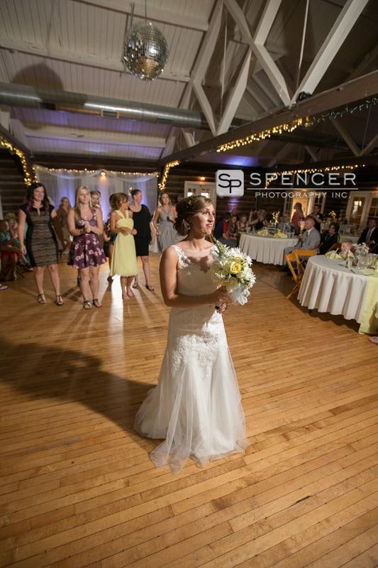 bouquet toss at sandusky wedding reception