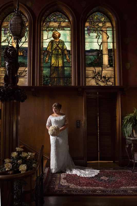 wedding picture at stan hywet