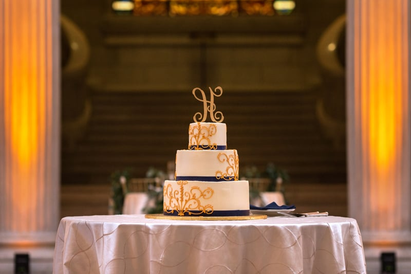 wedding cake at cleveland old courthouse