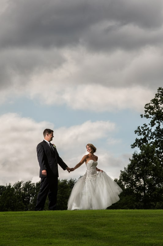 bride and groom on firestone golf course