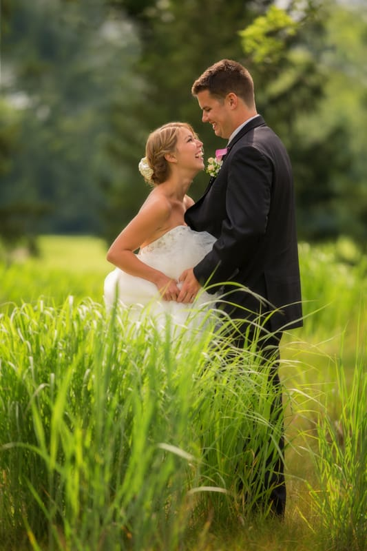 bride and groom picture on golf course at firestone