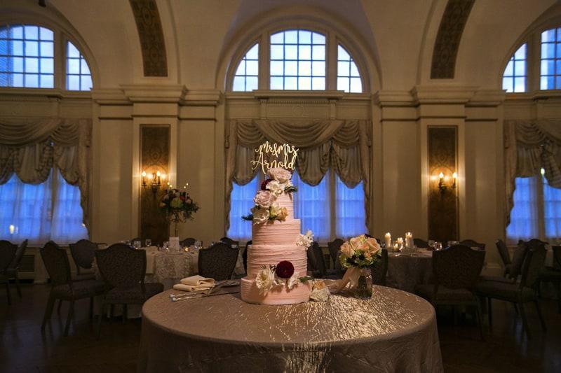 beautiful wedding cake at greystone hall reception