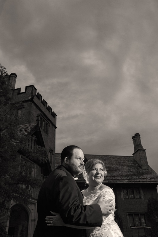 wedding picture in front of stan hywet