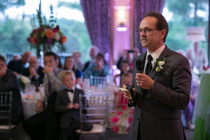 dad giving his wedding reception speech