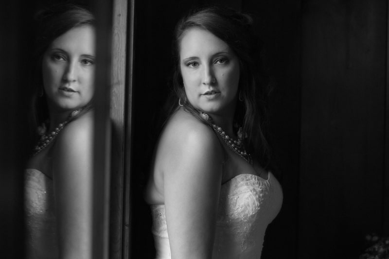 bride picture with reflection