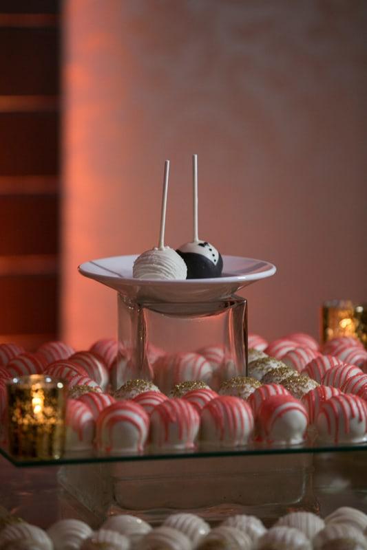 cupcake table at wedding reception at tangie