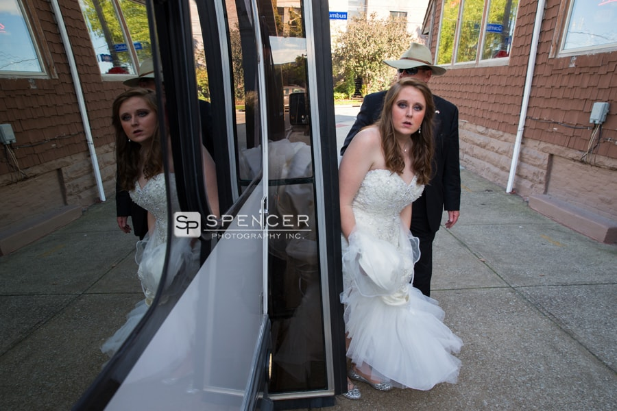 bride exiting her limo on wedding day in cleveland