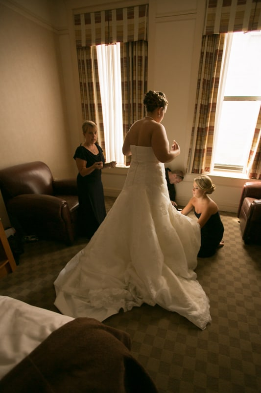 bride at hyatt regency preparing for her wedding