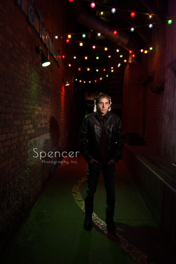 senior picture in cleveland alleyway