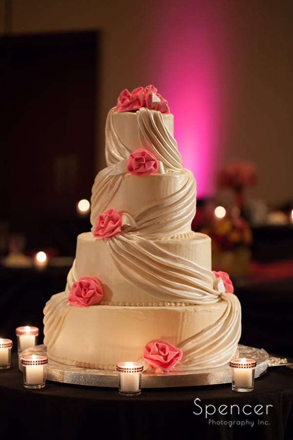 wedding cake at kent conference center