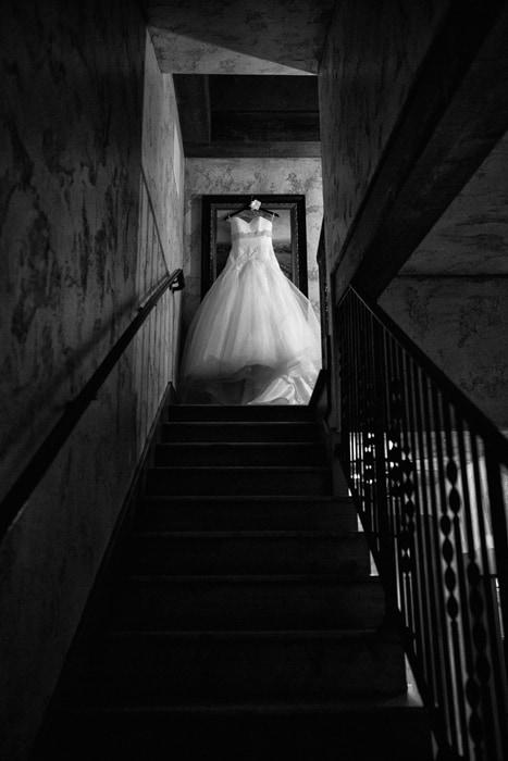 dress on staircase of villa in Gervasi