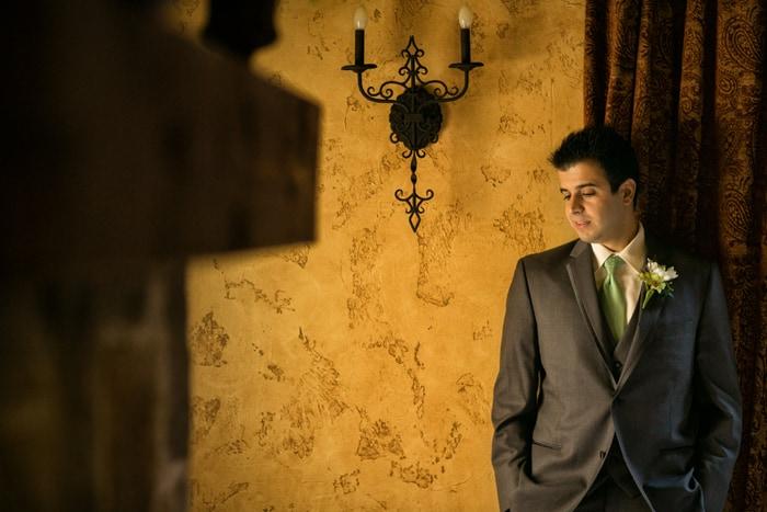 groom portrait at Gervasi vinyard villa