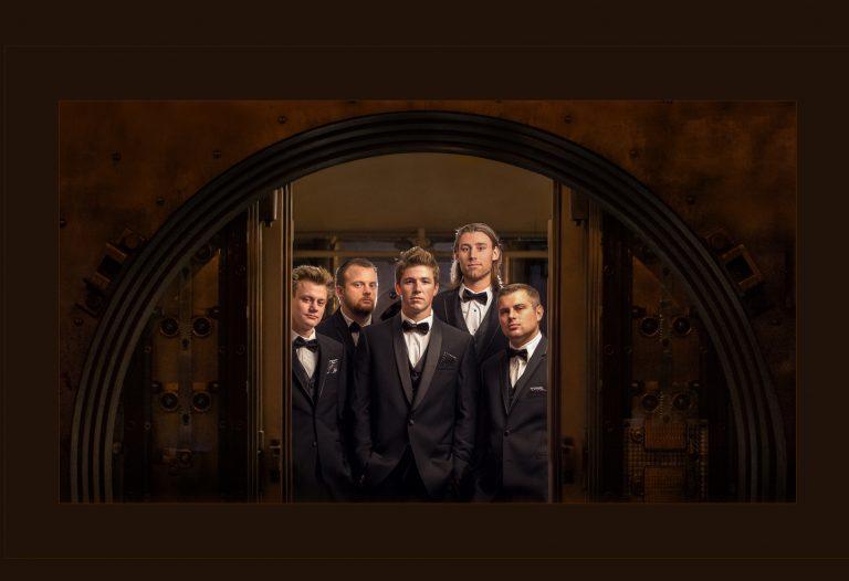 Groomsmen at Vault at Metropolitan at the 9
