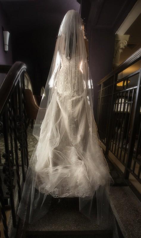 wedding picture of bride at ballroom at park lane
