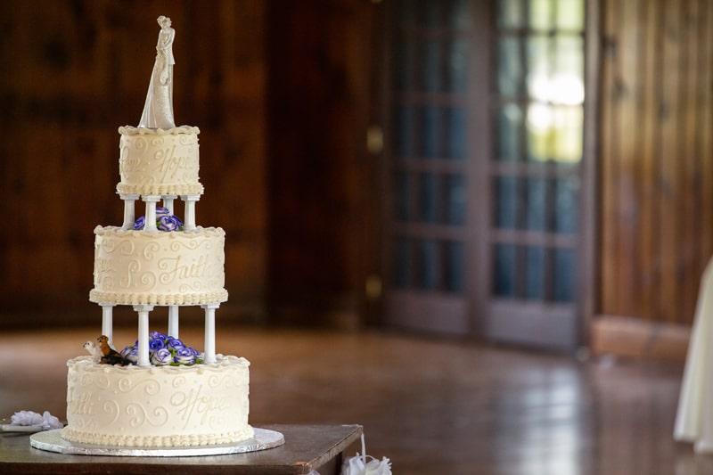 wedding cake at columbia ballroom