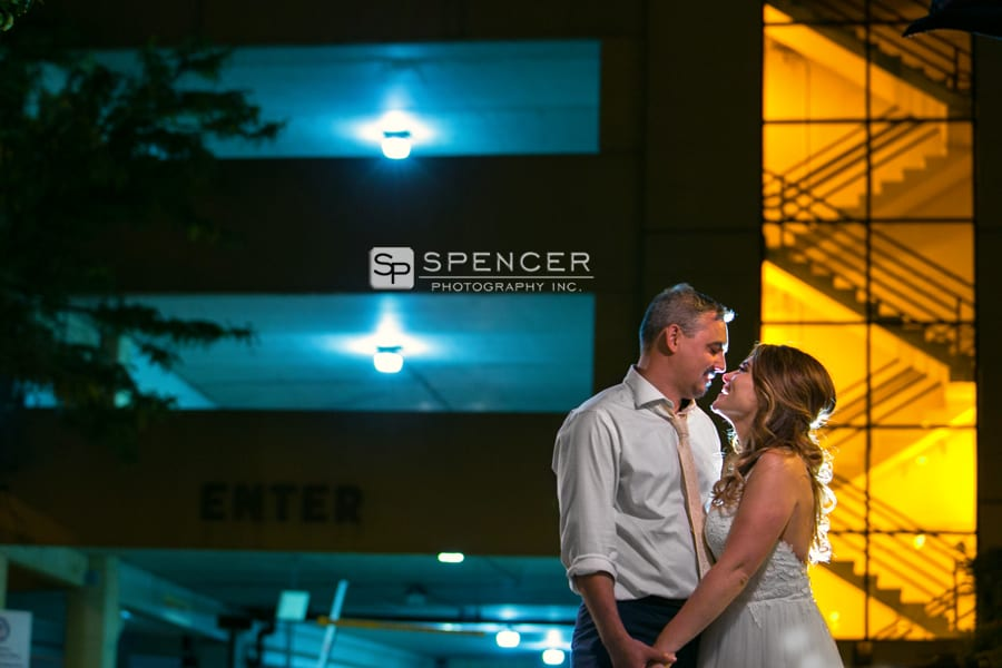 wedding picture in downtown akron