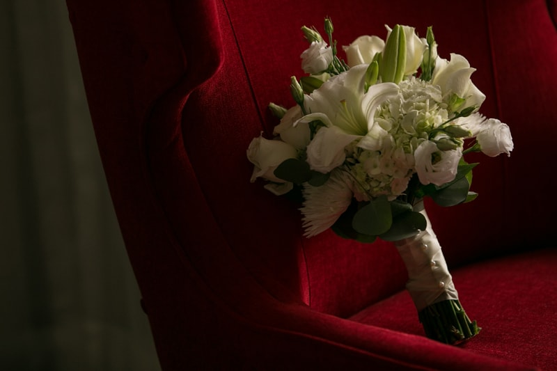 wedding day bouquet at metropolitan at the 9