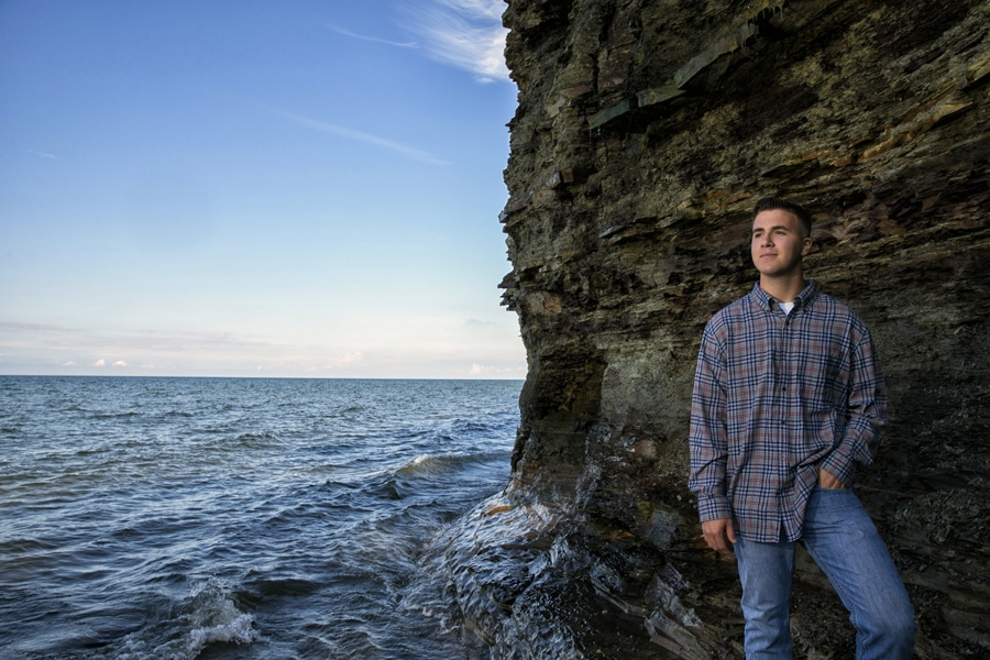 senior picture at lake erie
