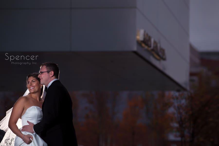 30. akron art museaum wedding picture