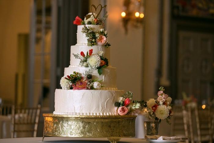 wedding cake a tudor arms wedding reception