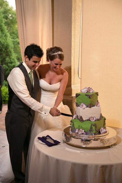 cutting the wedding cake at Gervasi reception