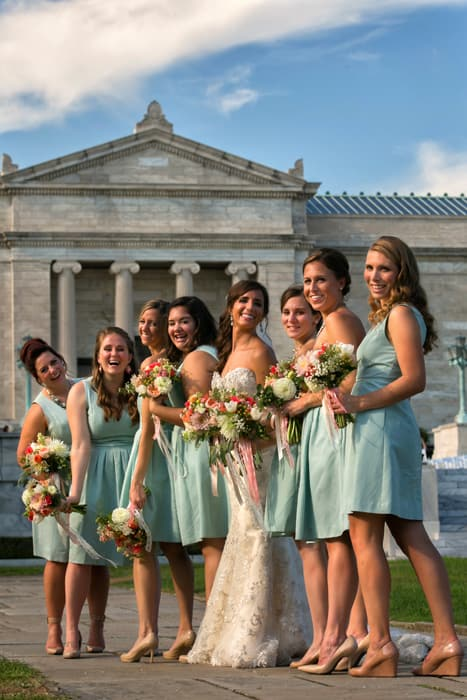 bridesmaids outside of cleveland museum of art