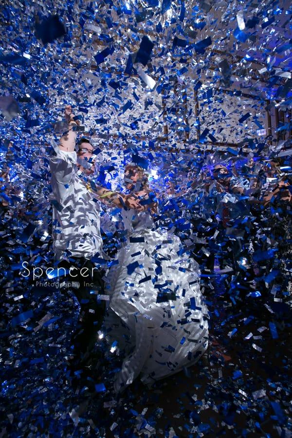 rock the house confetti cannon