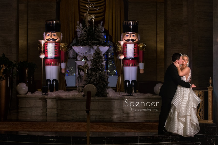 christmas wedding picture at cleveland renaissance