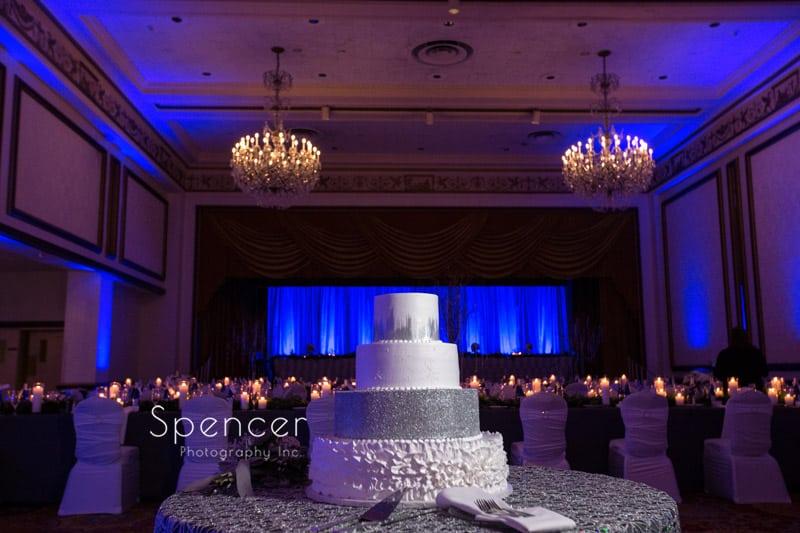 wedding cake at cleveland renaissance wedding reception