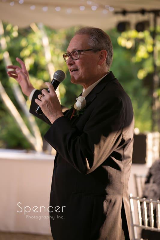dad giving wedding reception speech
