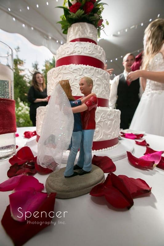 wedding cake detail at reception at thorncreek in aurora