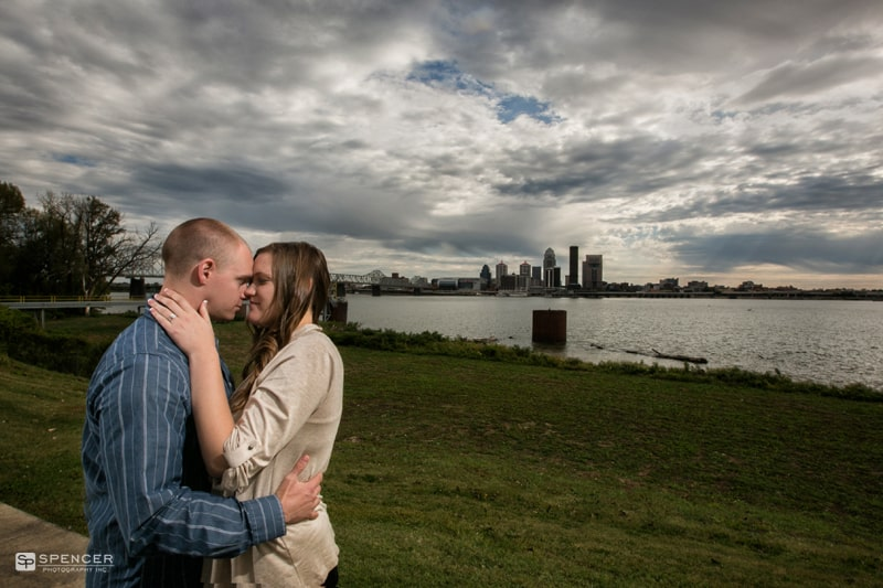 Engagement Pictures in Louisville Kentucky