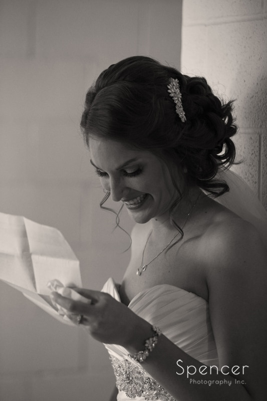 bride reacts to grooms love letter on wedding day