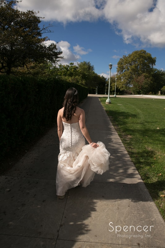 bride walking in wade oval park