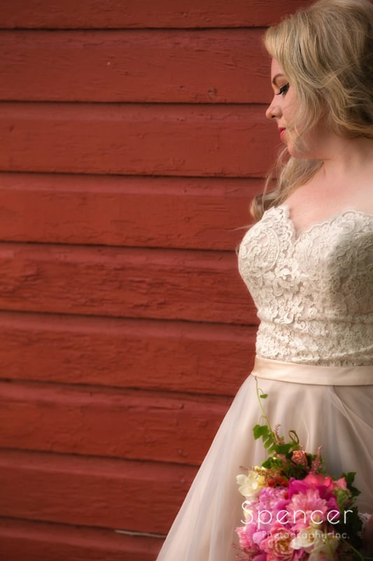 bride wedding day picture in chagrin falls ohio