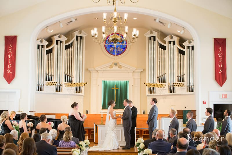 wedding ceremony at Church on the Lakes Canton