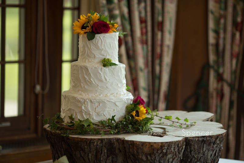 wedding cake at Mayfield Country Club