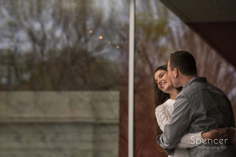 engagement picture of couple hugging at Cleveland Museum of Art 2