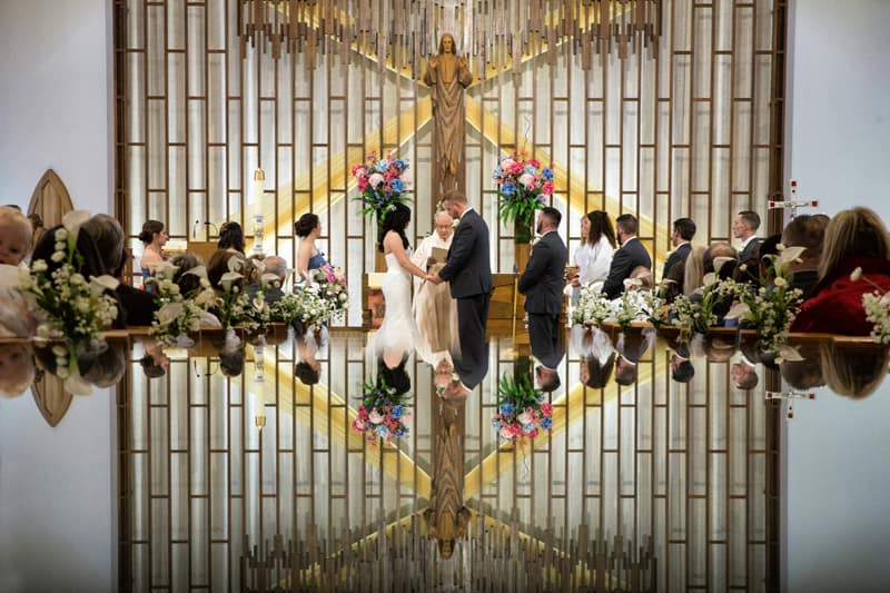 wedding cereomony in mentor in a reflection