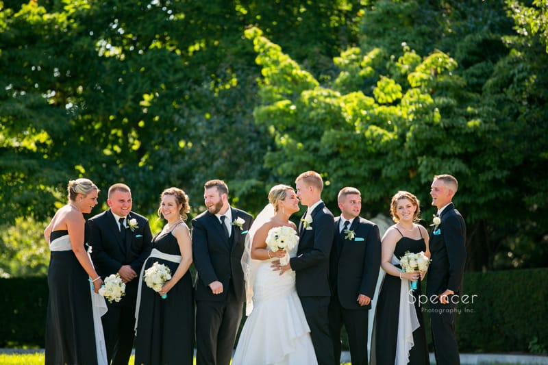 picture of bridal party in Cleveland Wade Oval Park