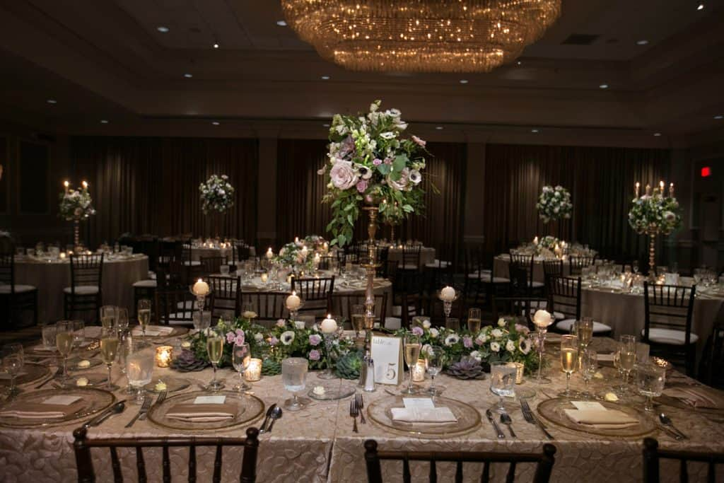 wedding reception table at Hilton Akron Fairlawn