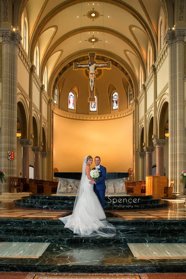 formal wedding picture in St. Vincent Basilica