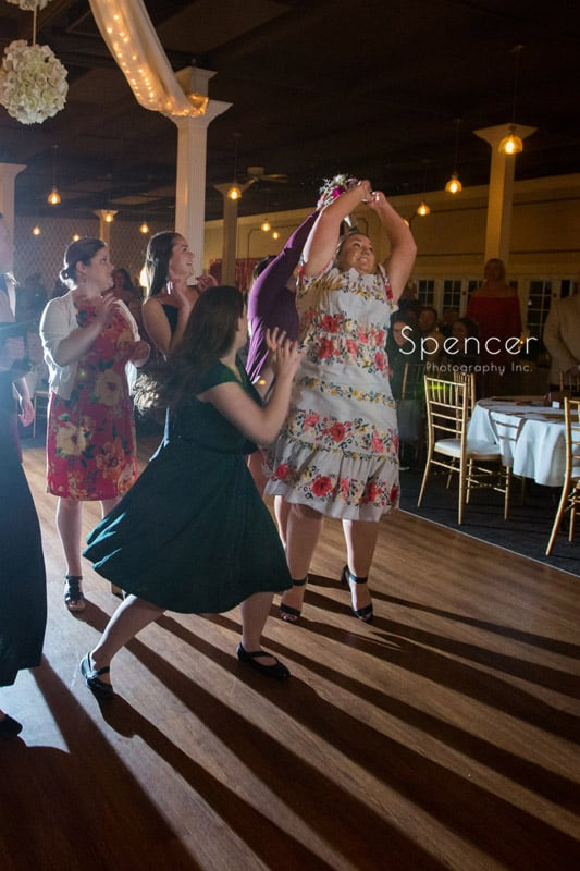 bouquet toss at wedding reception in akron