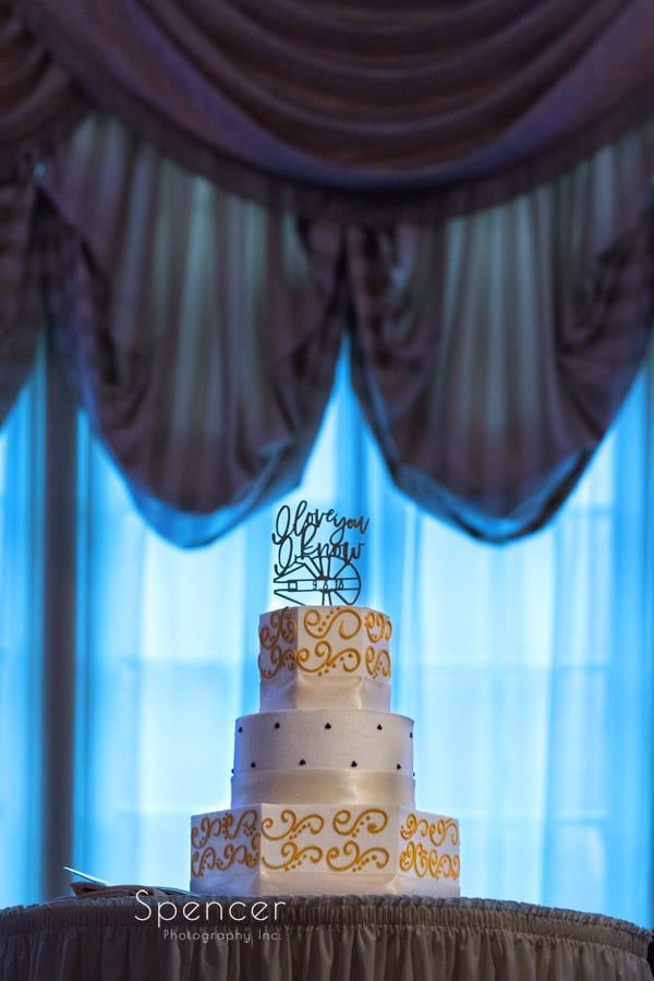 wedding cake at Greystone Hall reception