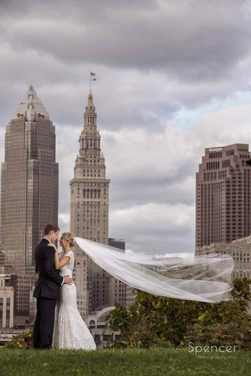 creative wedding picture of downtown cleveland