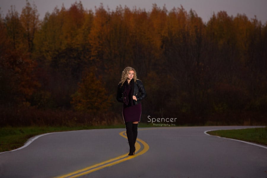 fall senior picture in wadsworth ohio