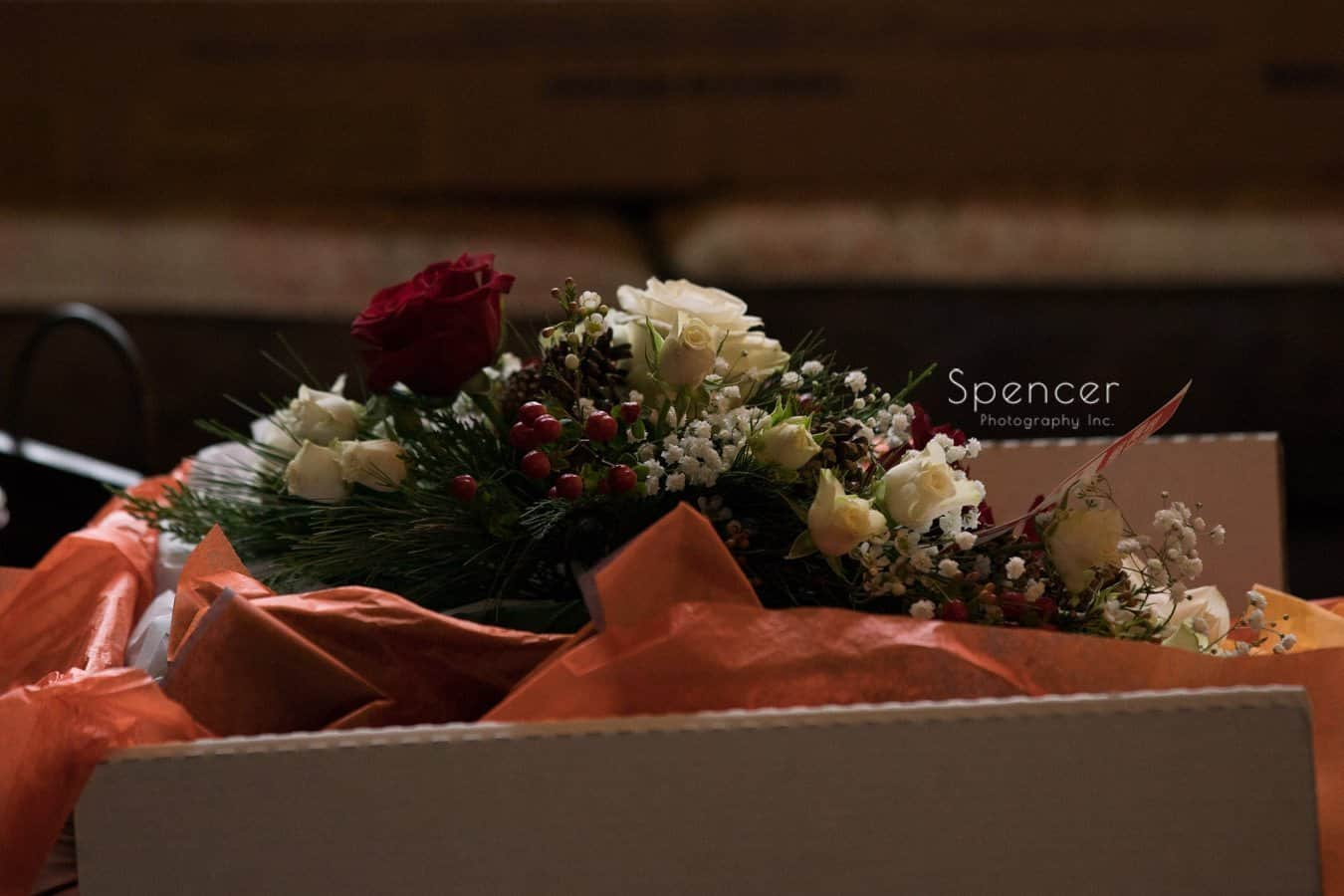 christmastime wedding flowers