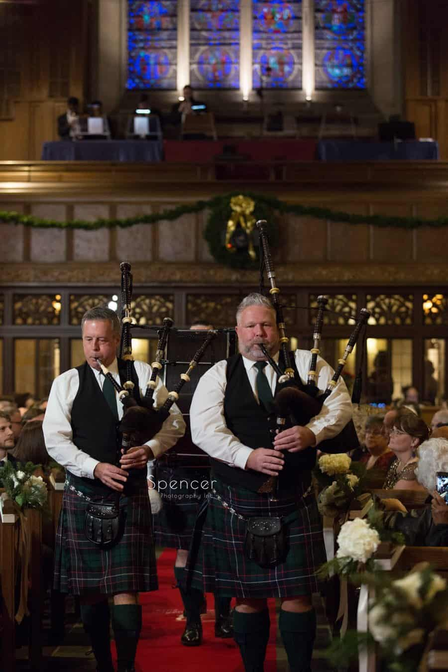 bagpipers play at chrismas wedding a first baptist